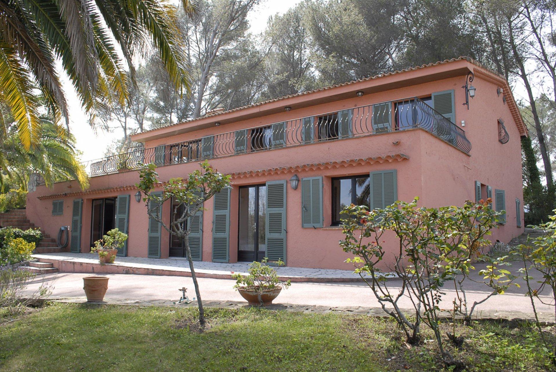 Mandelieu villa 10 rooms on 2 floors