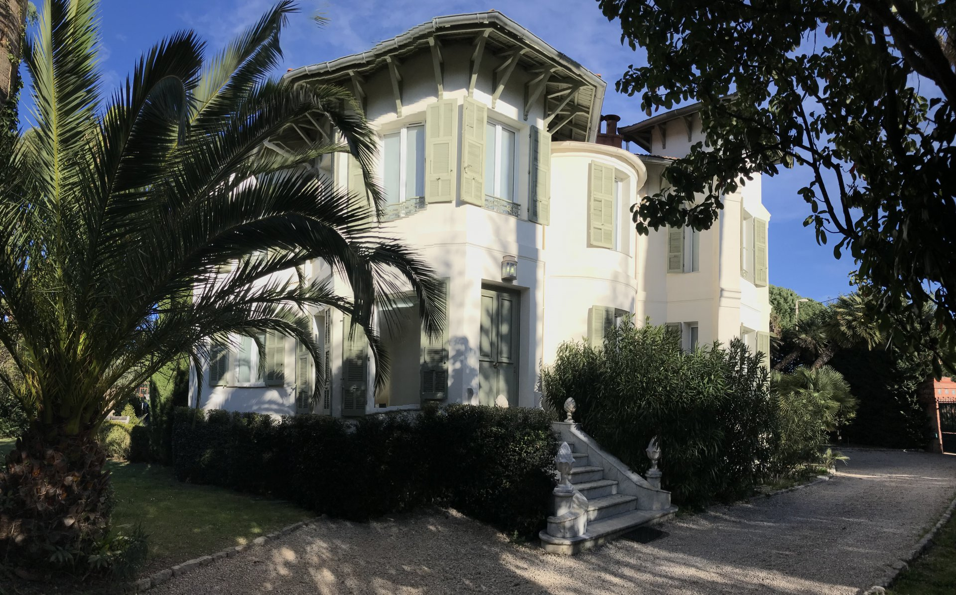 holiday rental Villa close beach at Golfe Juan