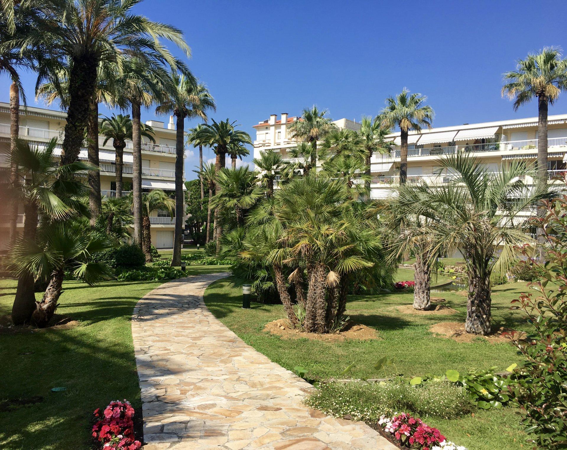 Cannes Montrose - Superbe 3 P. au calme avec garage et cave