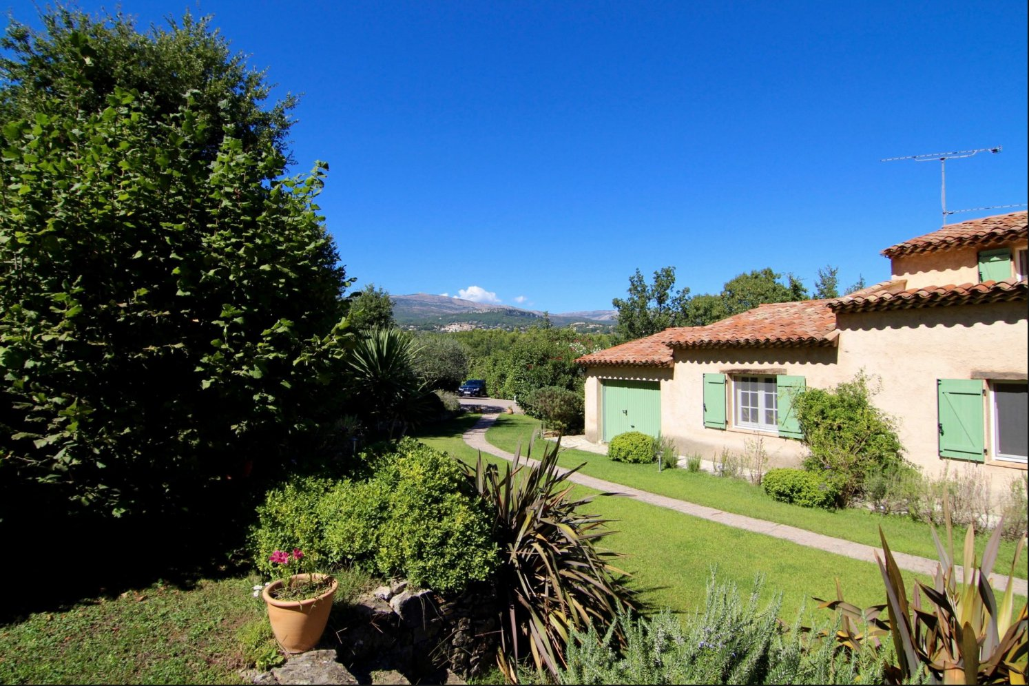 OPIO RESIDENTIAL- QUIET - CLOSE TO VALBONNE