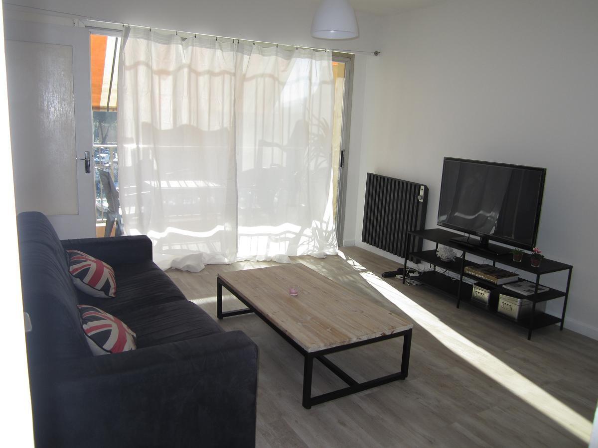 Studio apartment of 28.72 m²