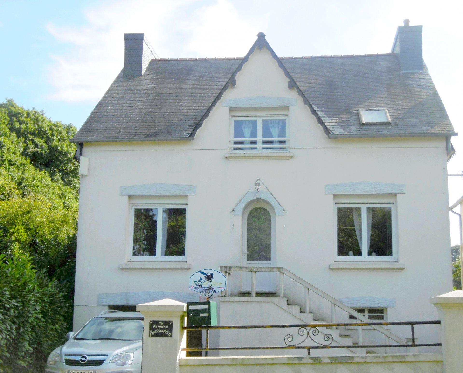 Maison d'habitation rénovée située à l'entrée du bourg