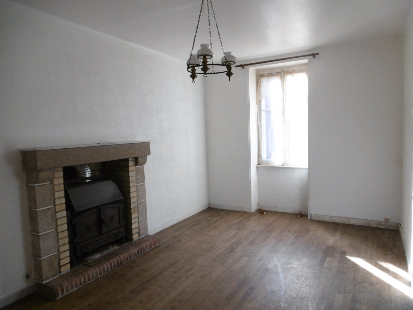 TOWN HOUSE small price