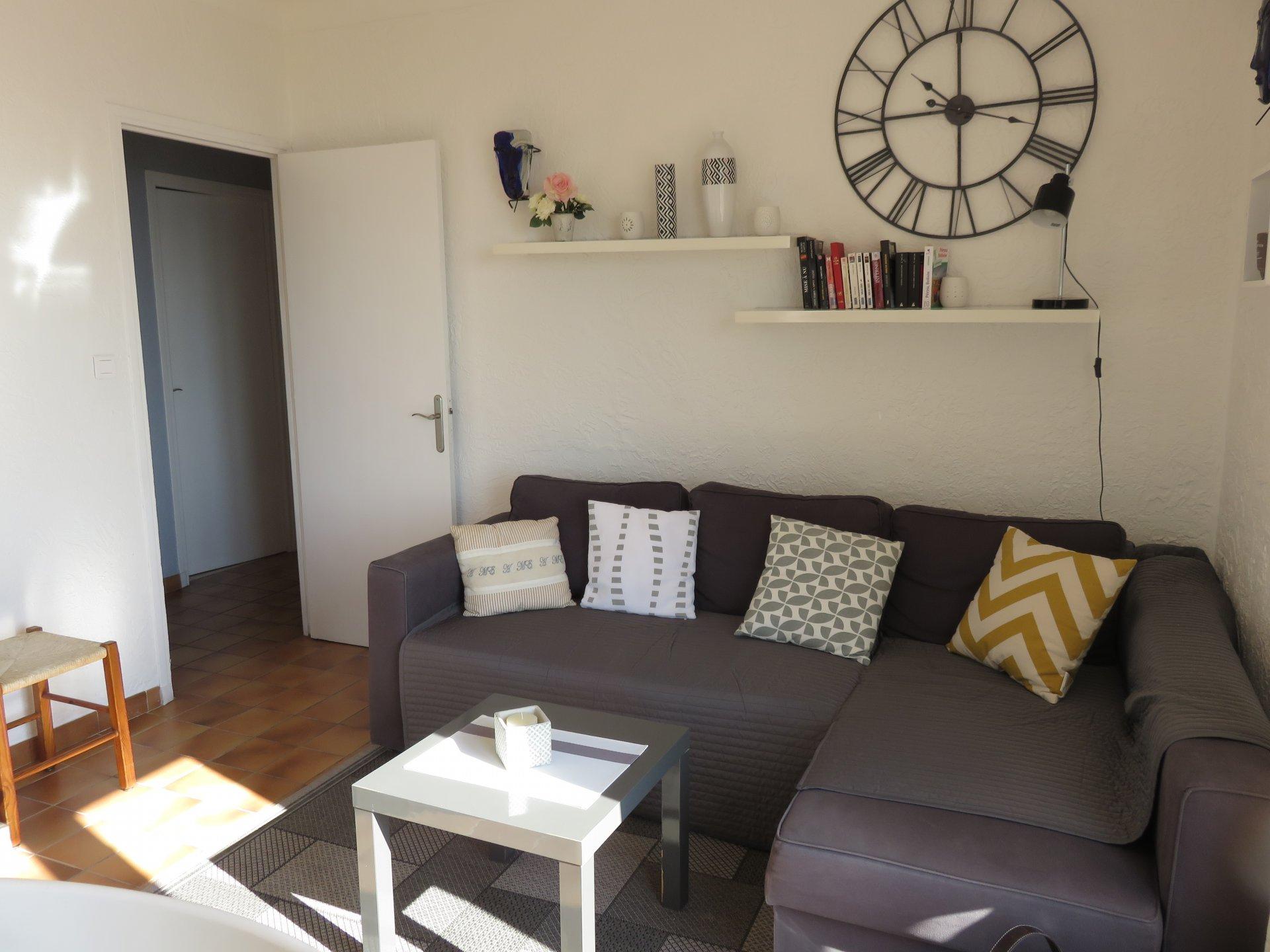 2/3 bedroom villa, cellar, garage