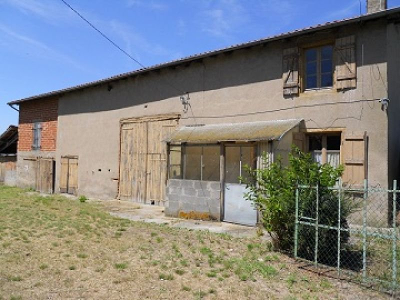 FARMHOUSE TO BE RENOVATED WITH BEAUTIFUL VIEWS AND DEPENDENCY""