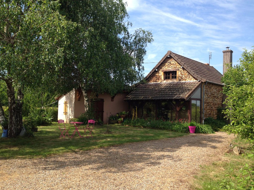 SOUTH LYON 1:30 BURGUNDY 5 MARCIGNY MN / MN 15 CHARLIEU RENOVATED OLD HOUSE ON 1000 M ² ENV FIELD WITH VIEW