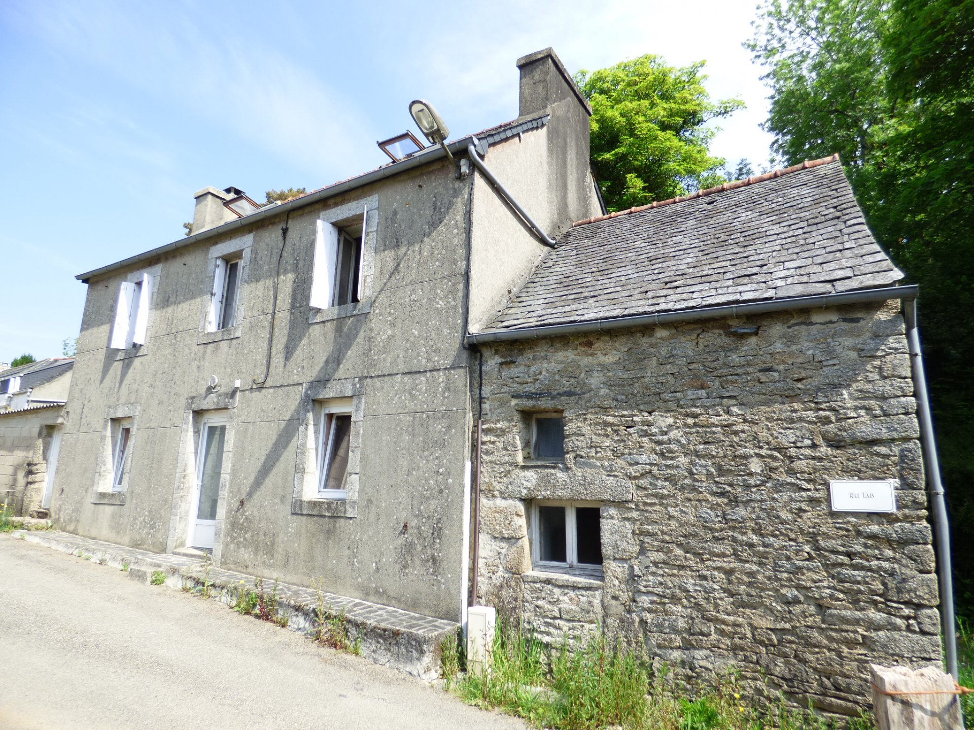 Sale House - La Feuillee