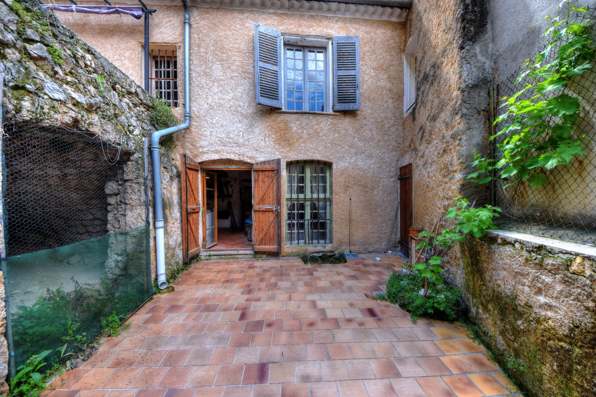 Village house 400 m² with garden, Moustiers Ste Marie