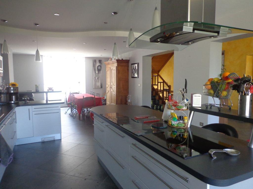 Maison  10 pièce(s) 400 m2