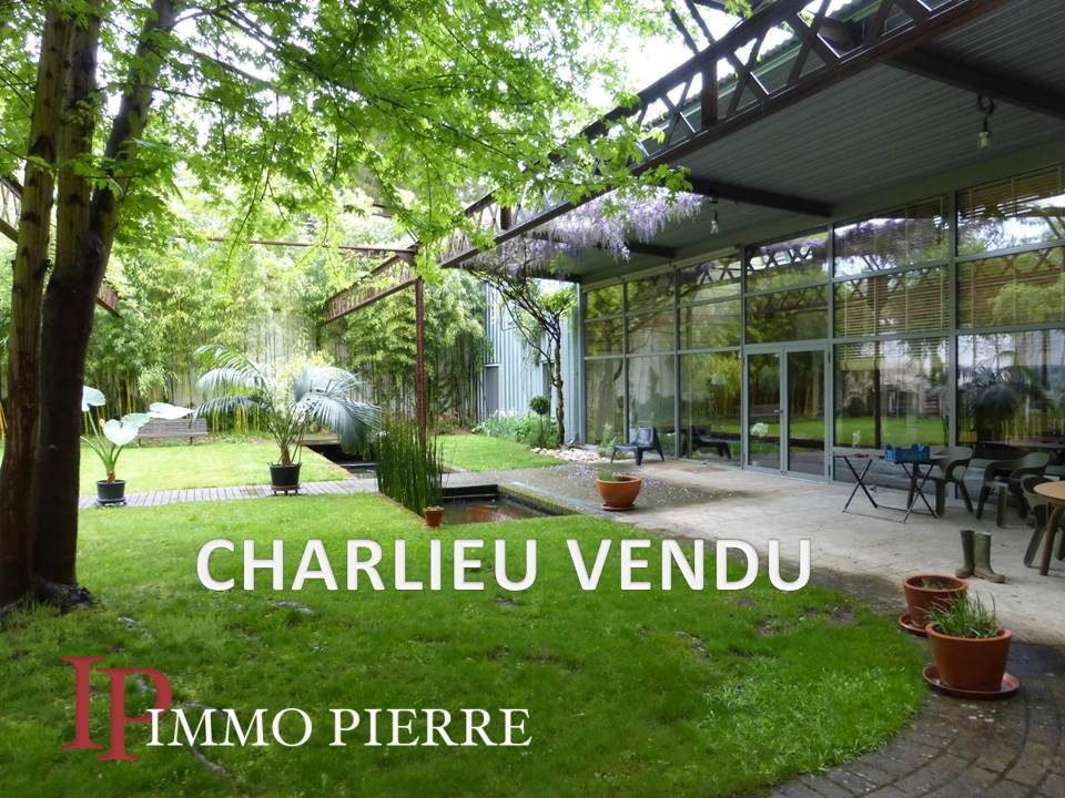 CHARLIEU Centre Townhouse with 400 sqm garden