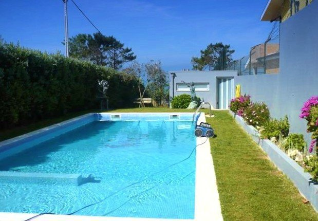 Porto, Contemporary villa of 298 m² with swimming pool