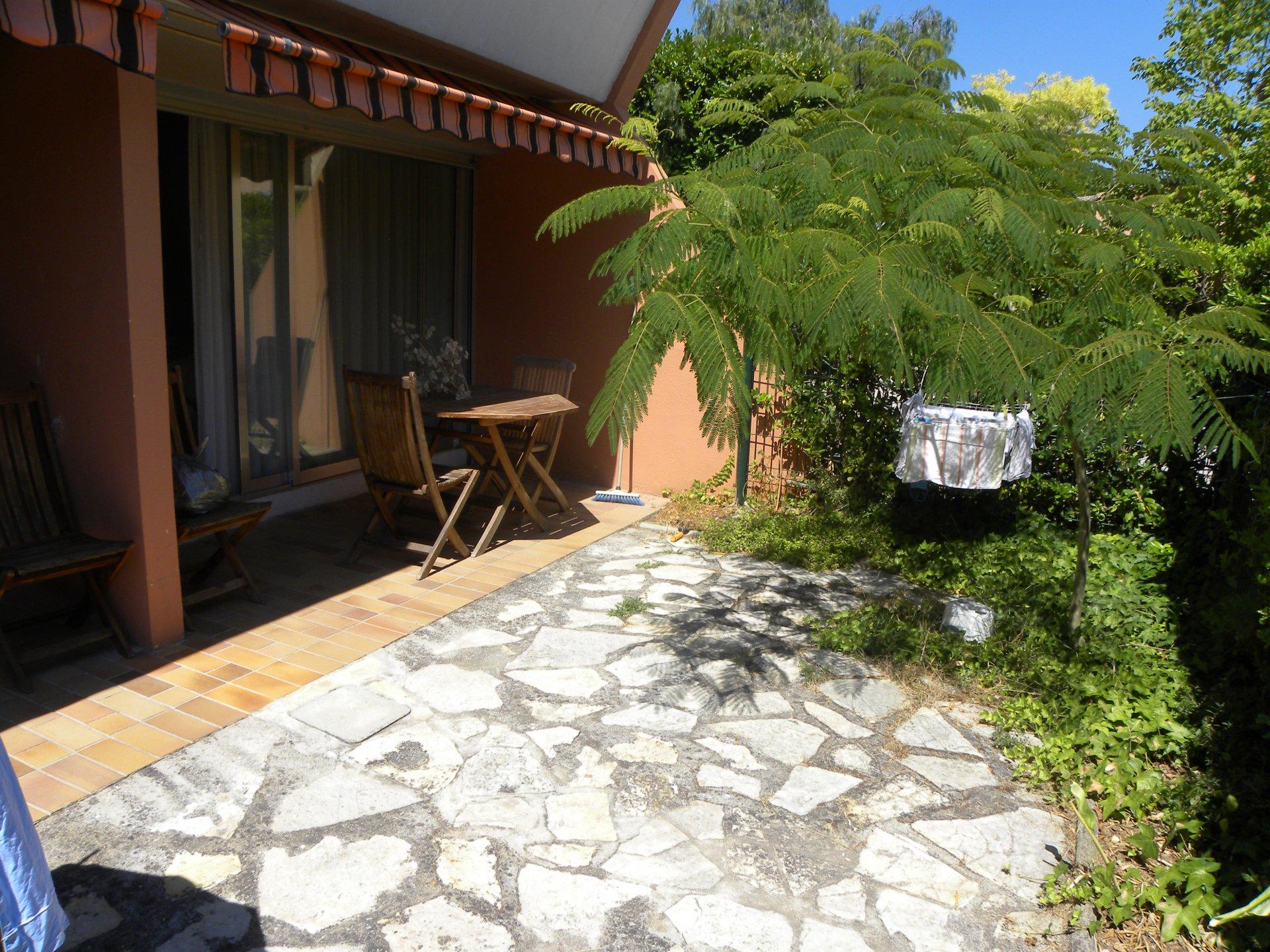 Terrasse + Jardin
