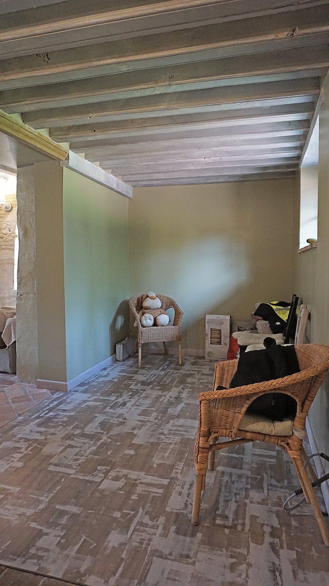 PAYS D'AUGE-CALVADOS-Région de ST PIERRE SUR DIVES, une maison et des dépendances  en pierres