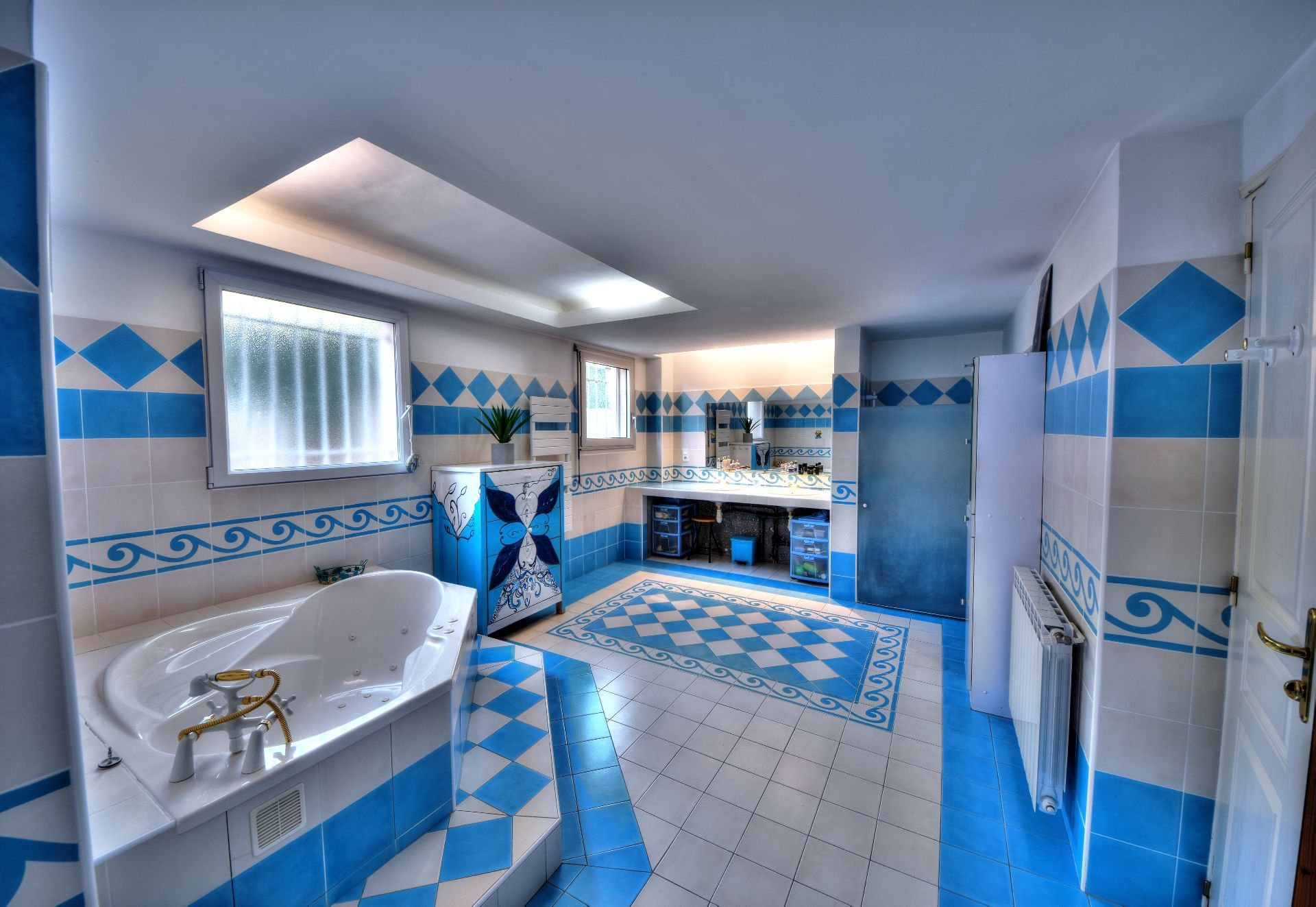 Bathroom of the villa 328 m² panoramic view, Draguignan, Var, Provence