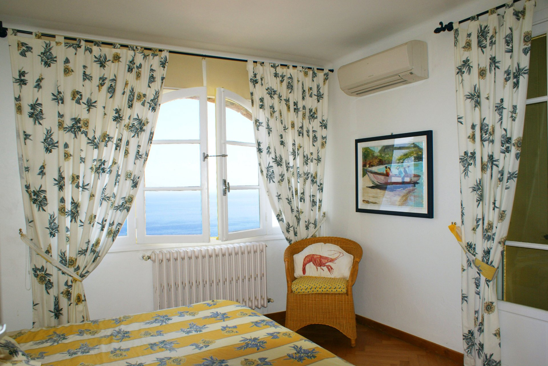 Exceptional panoramic view on sea and mountains comfortable villa, 4 bed rooms (8 sleeps) * Villa Farandole *