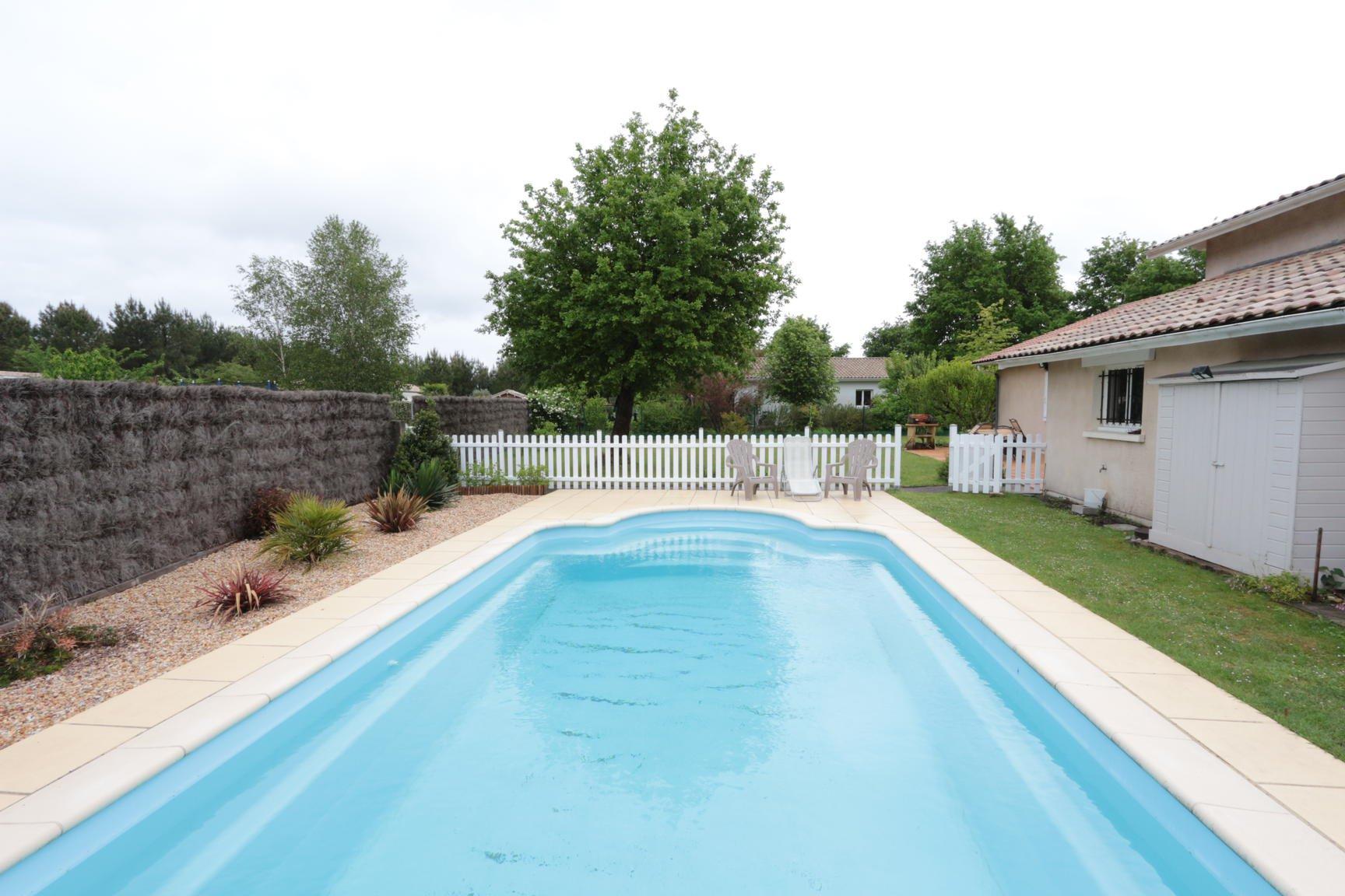 Maison de 160m2 avec piscine en lisière de forêt