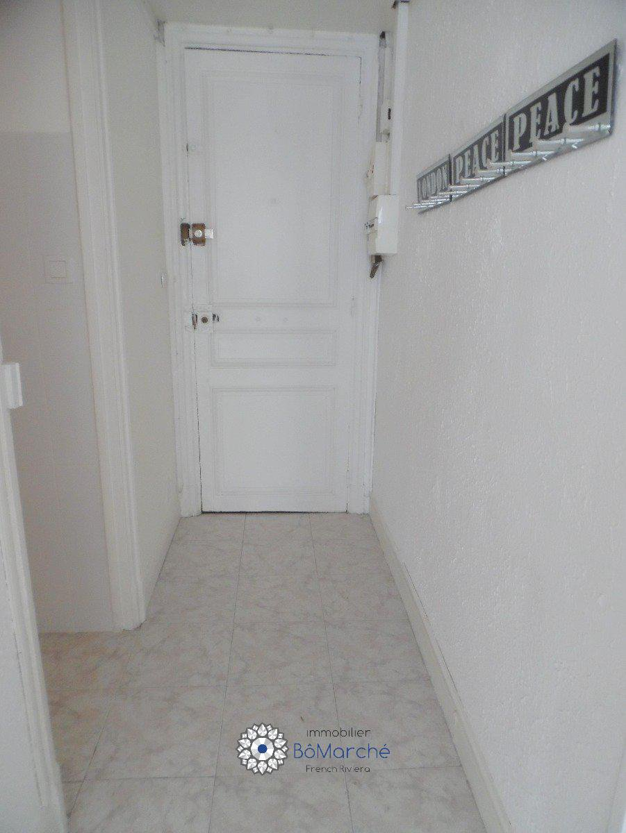 T1 about 24 m² Rue Rossini