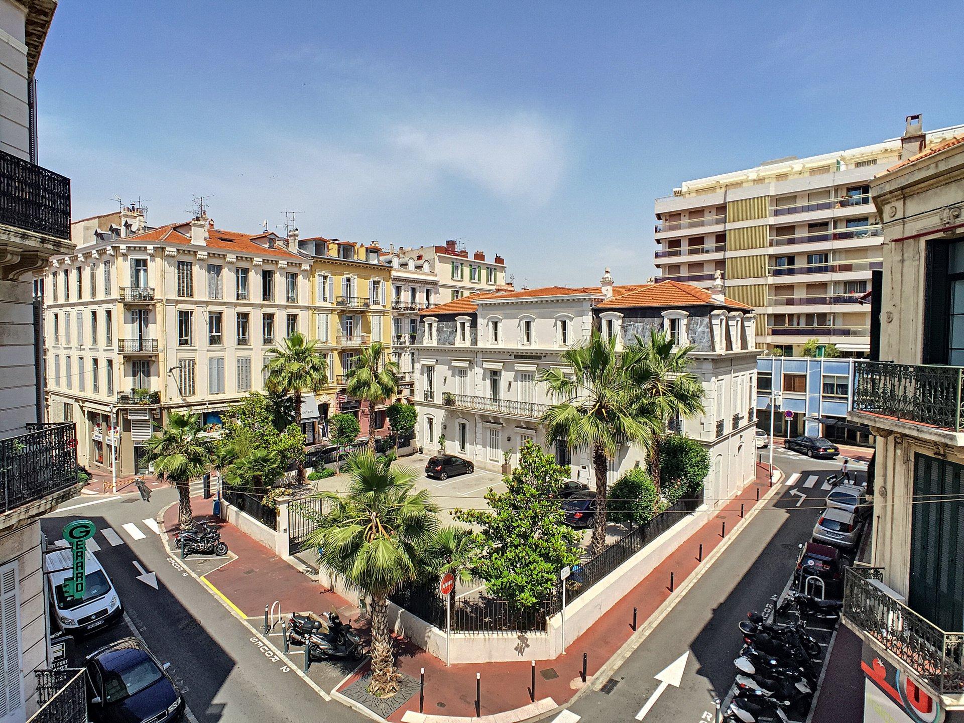Cannes - Banana: Studio convertible into 2 rooms