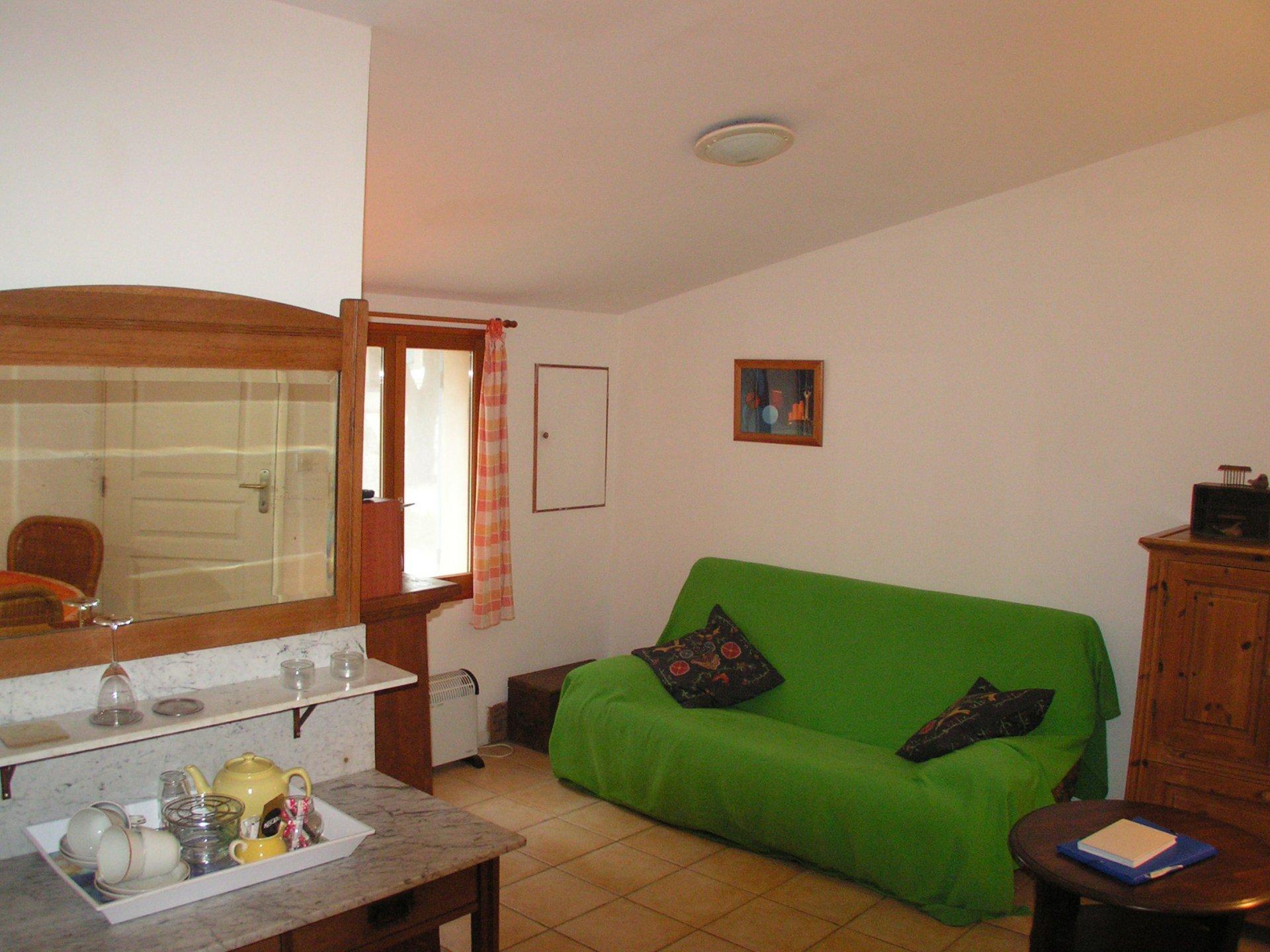 Villa, Pool, Gästehaus und Baugrundstücke in Vénéjan, Gard