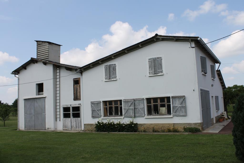 Sale House - St Julien