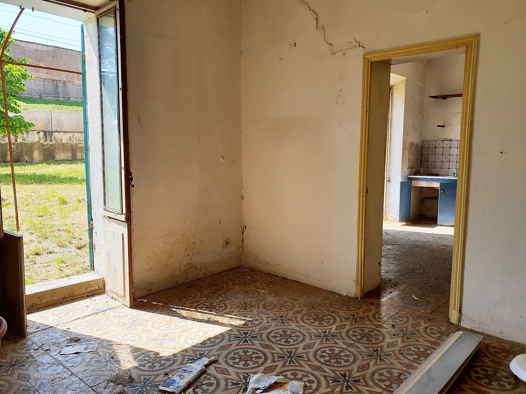 Old charming HOUSE in AUPS ...RENOVATIONS