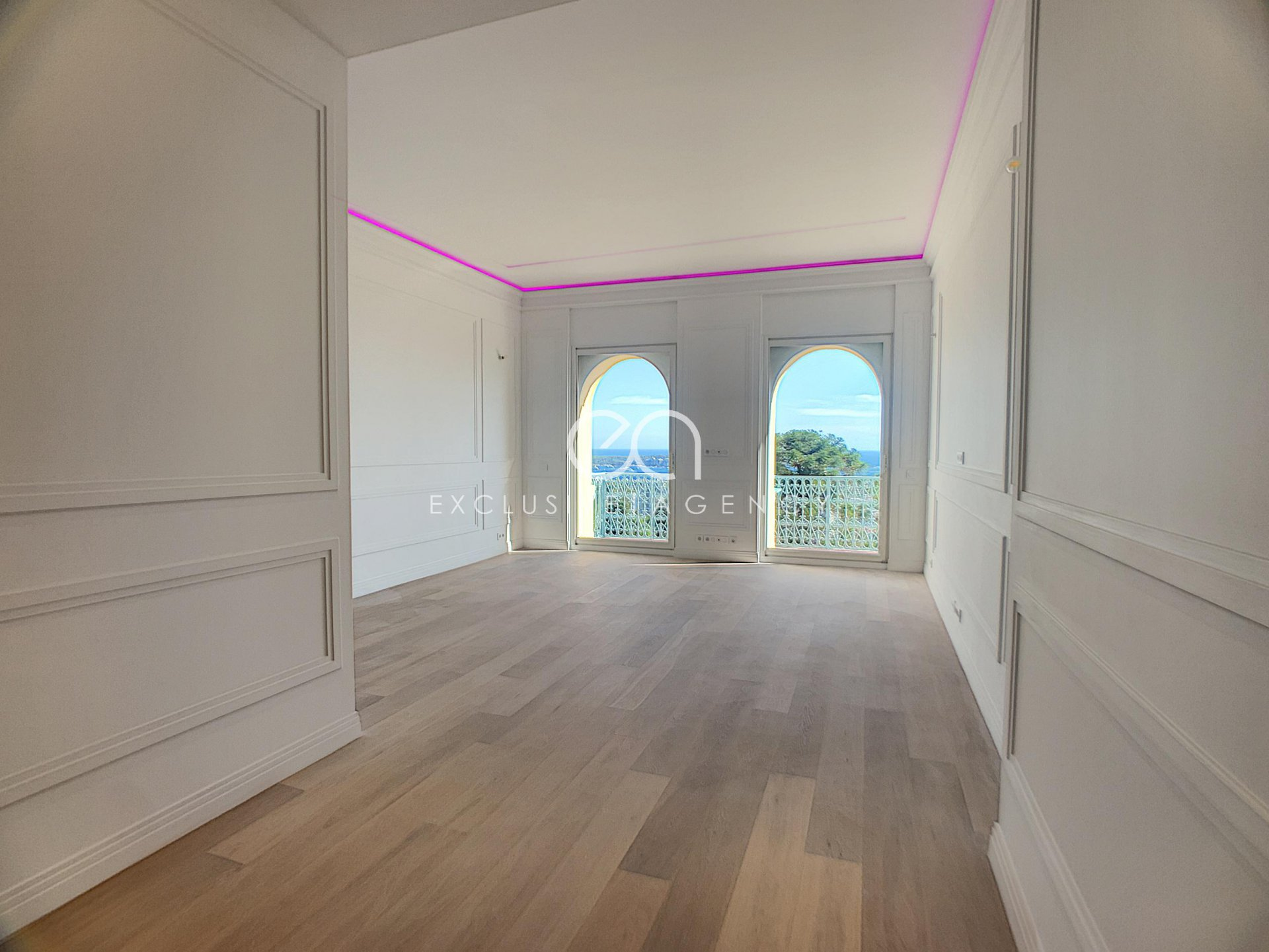 For sale Cannes Californie top floor vated 3-bedroom apartment
