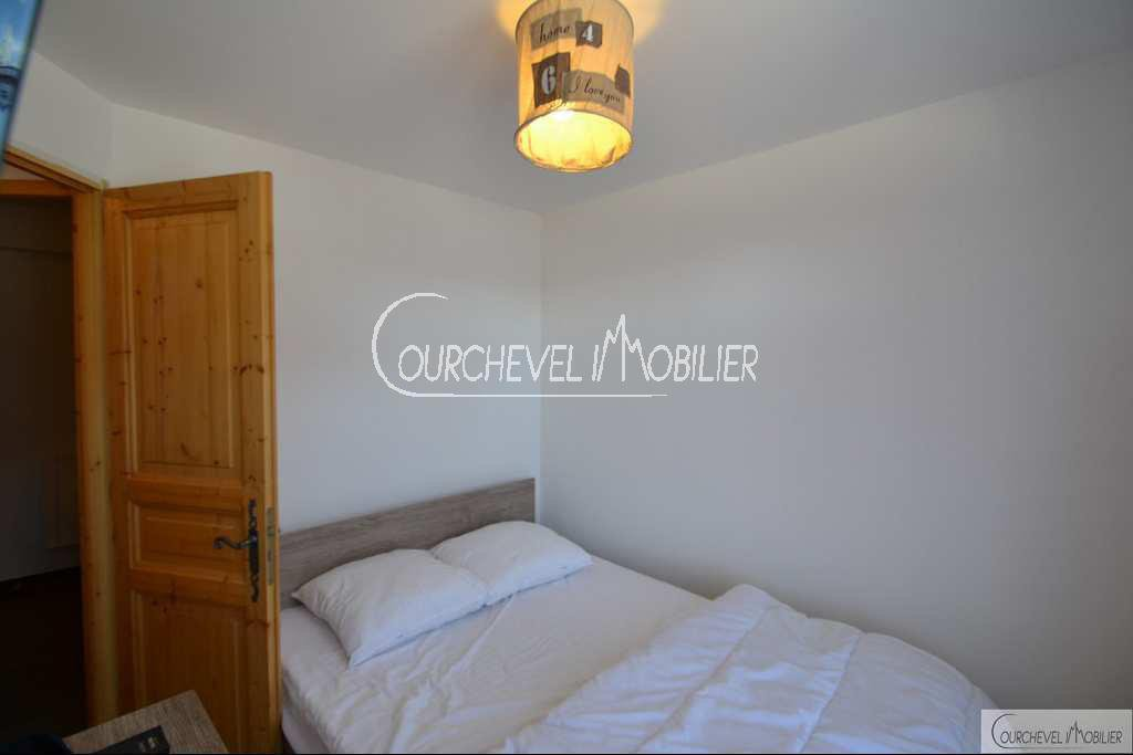 Courchevel Property offers 3 bedrooms apartment for sale, ski in – ski out and sunny