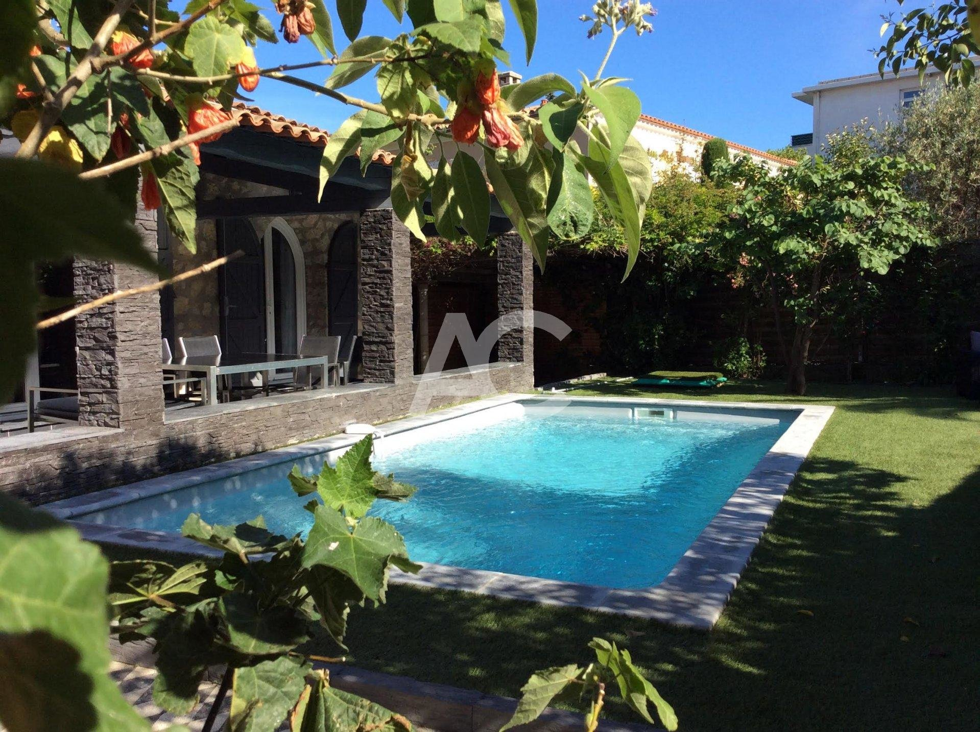 Beautiful one storey villa with pool - Cap d'Antibes