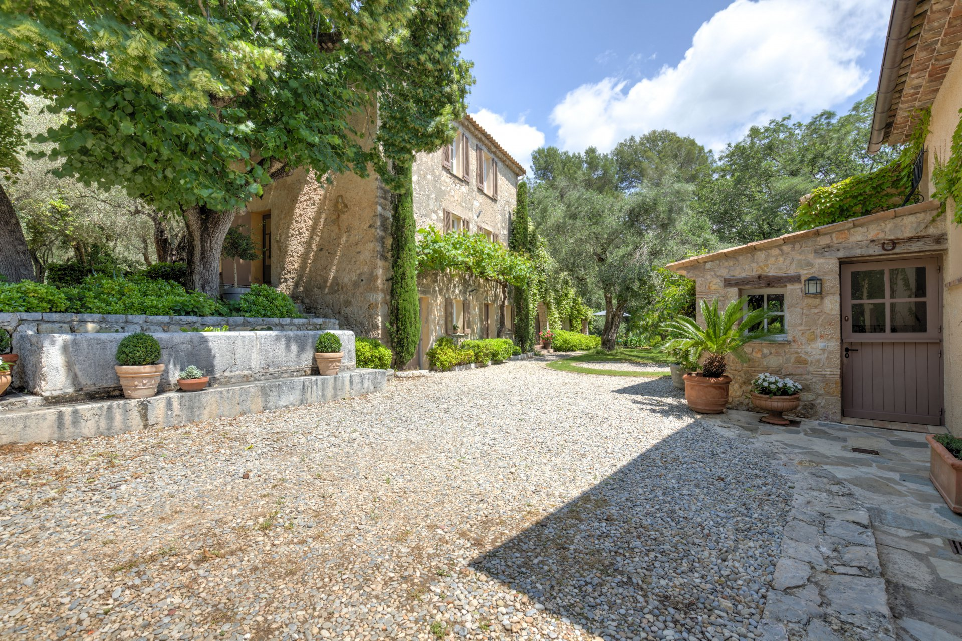 VALBONNE : Sole Agent : 2 hectares country side estate with olive grove