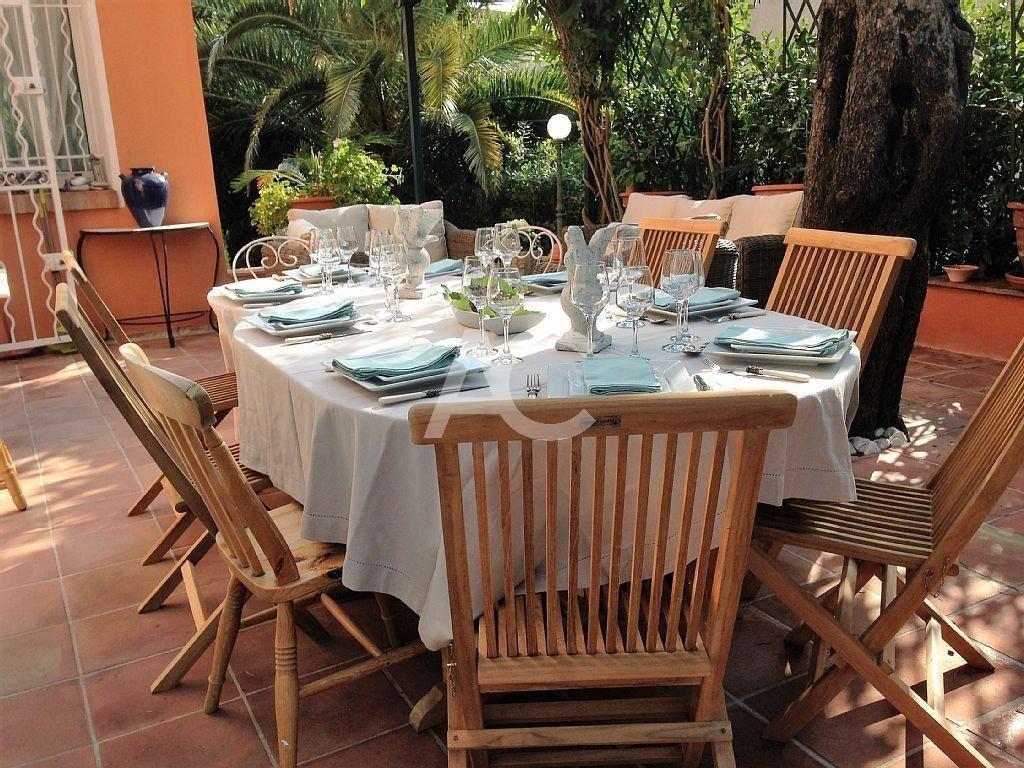 Villa close to Salis beach - East side Cap d'Antibes