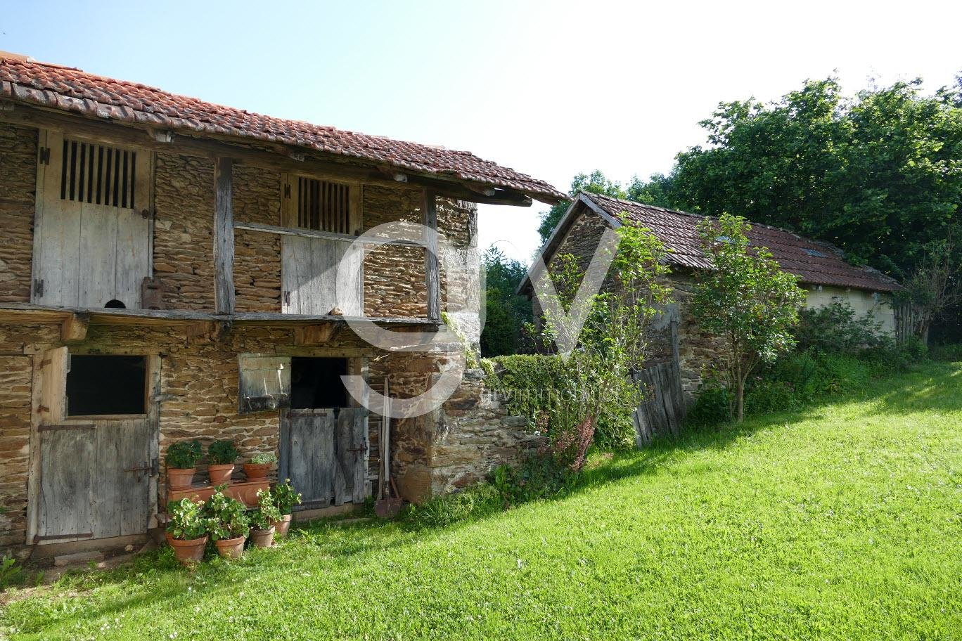 Sale Farm - Mourjou
