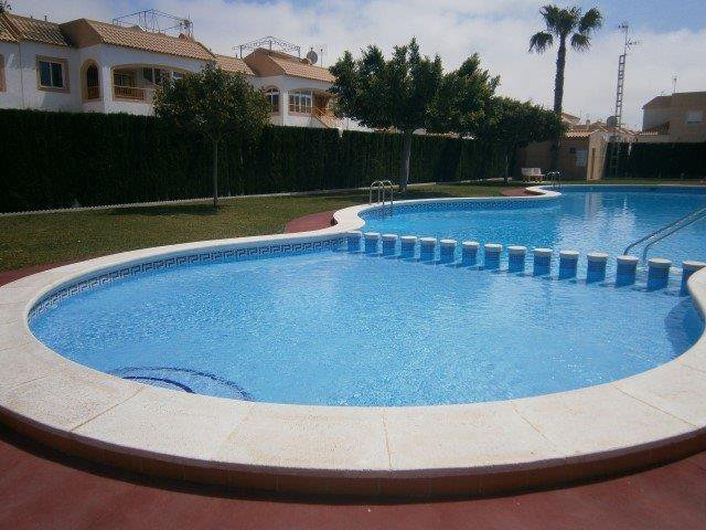 Torrevieja furnished apartment 2 ch close to all amenities and beaches Very good deal