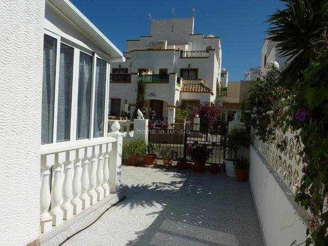 Los Altos house furnished 4 bedrooms veranda terrace balcony pool