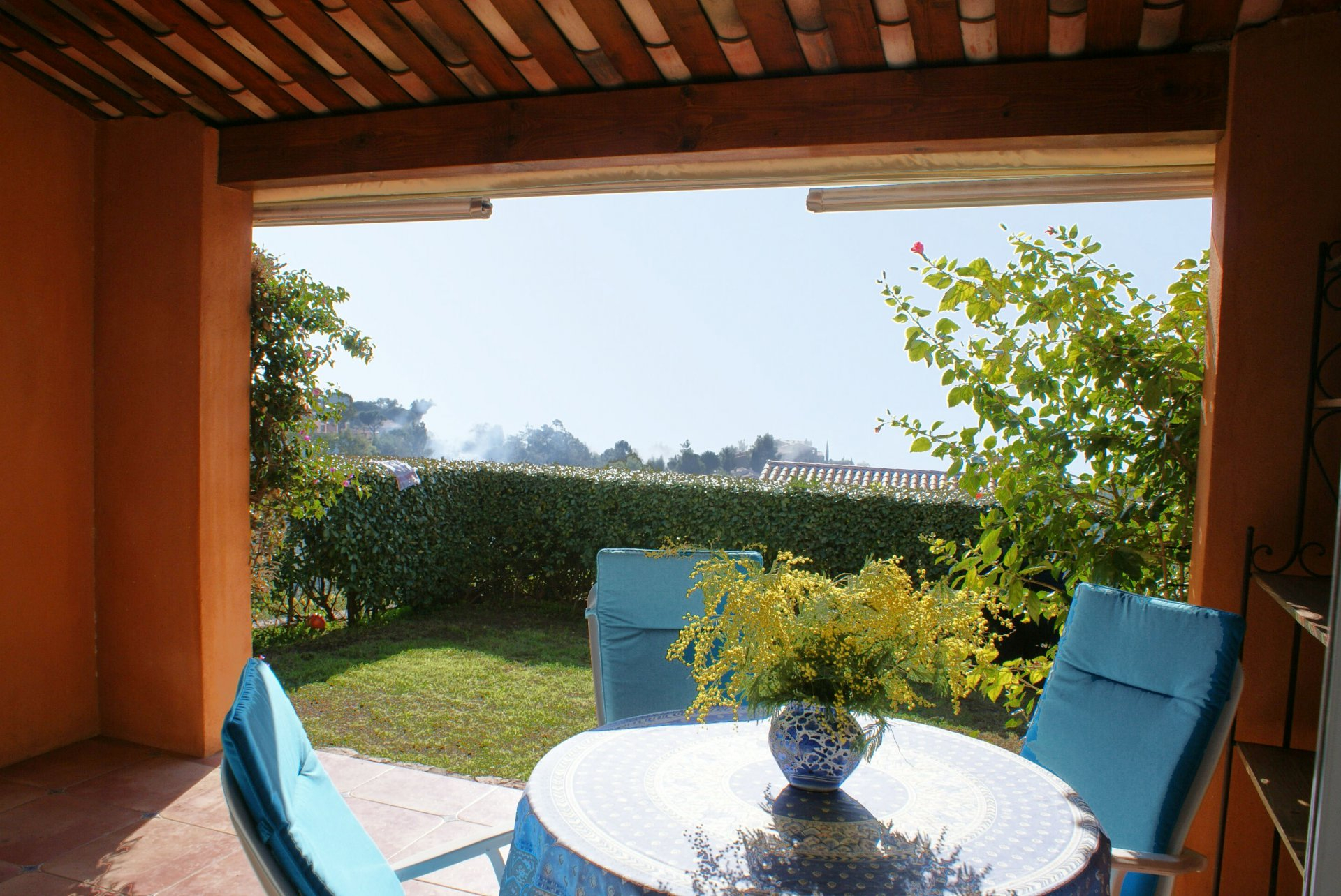 Family house: living room, 2  bedrooms (3/4 sleeps) american kitchen garden terrace, sea view * ROVI 36 *