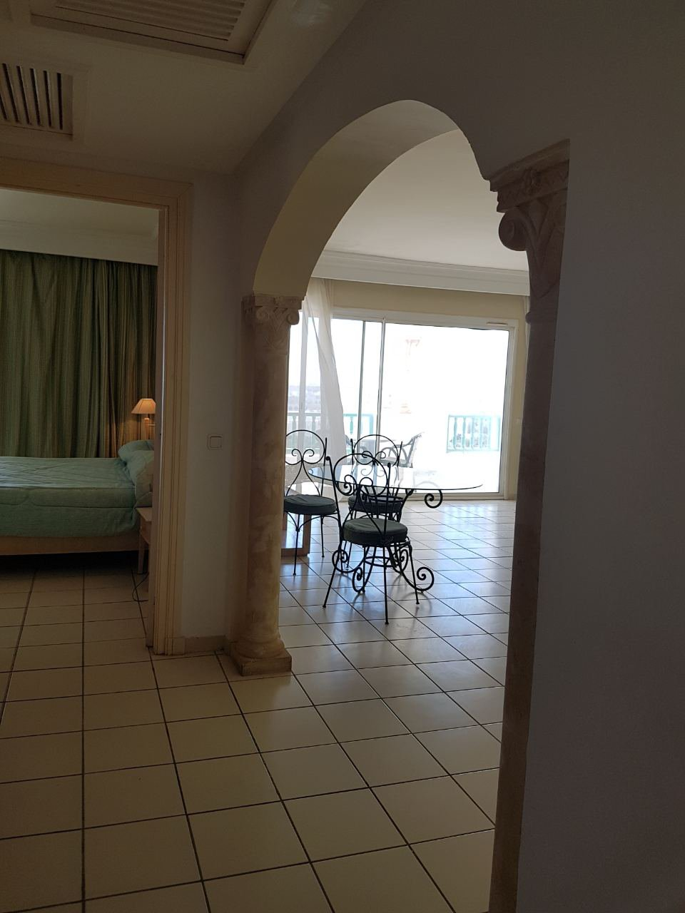 Apartment S + 3 superb sea view on the 4th floor of a luxurious residence in edge of sea. Financing possible