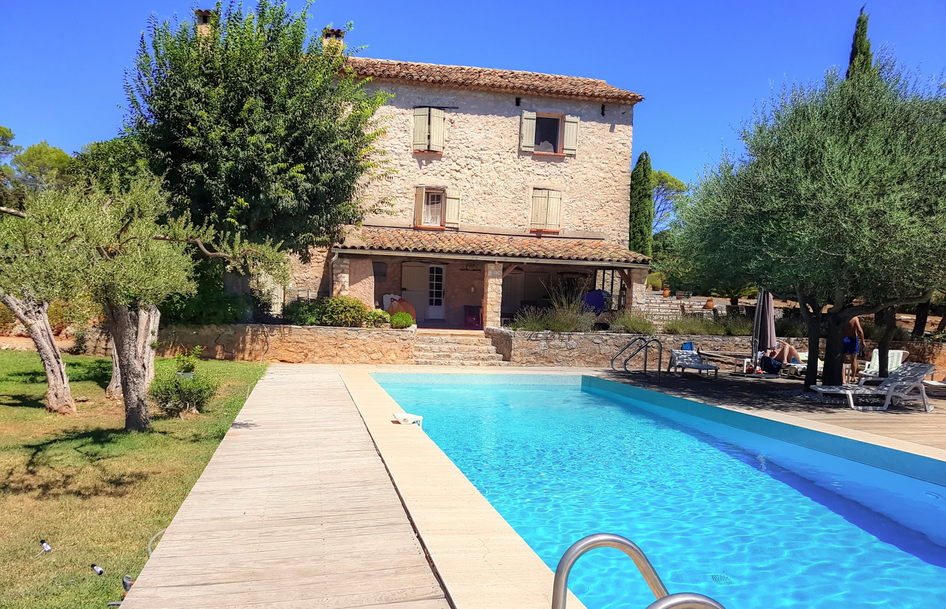 Exceptionnal Stone Provencal Bastide on 6 hectares