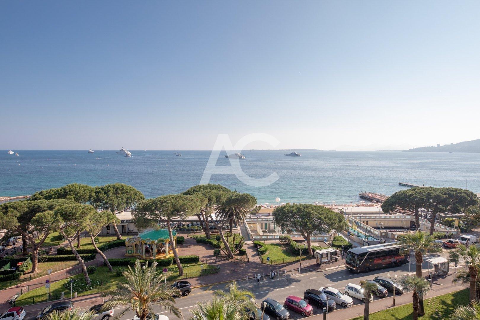 Luxueux appartement avec vue mer panoramique