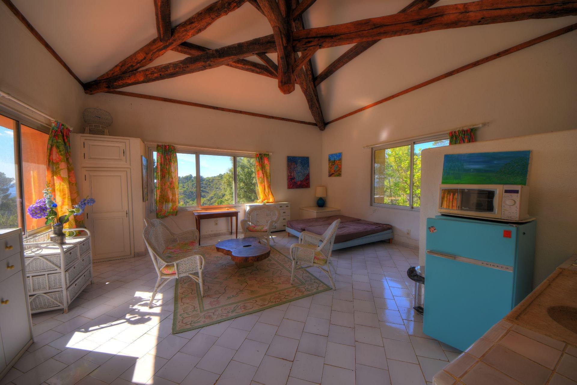 Intérieur de la maison d'amis de la bergerie rénovée Tourtour, Var, Provence