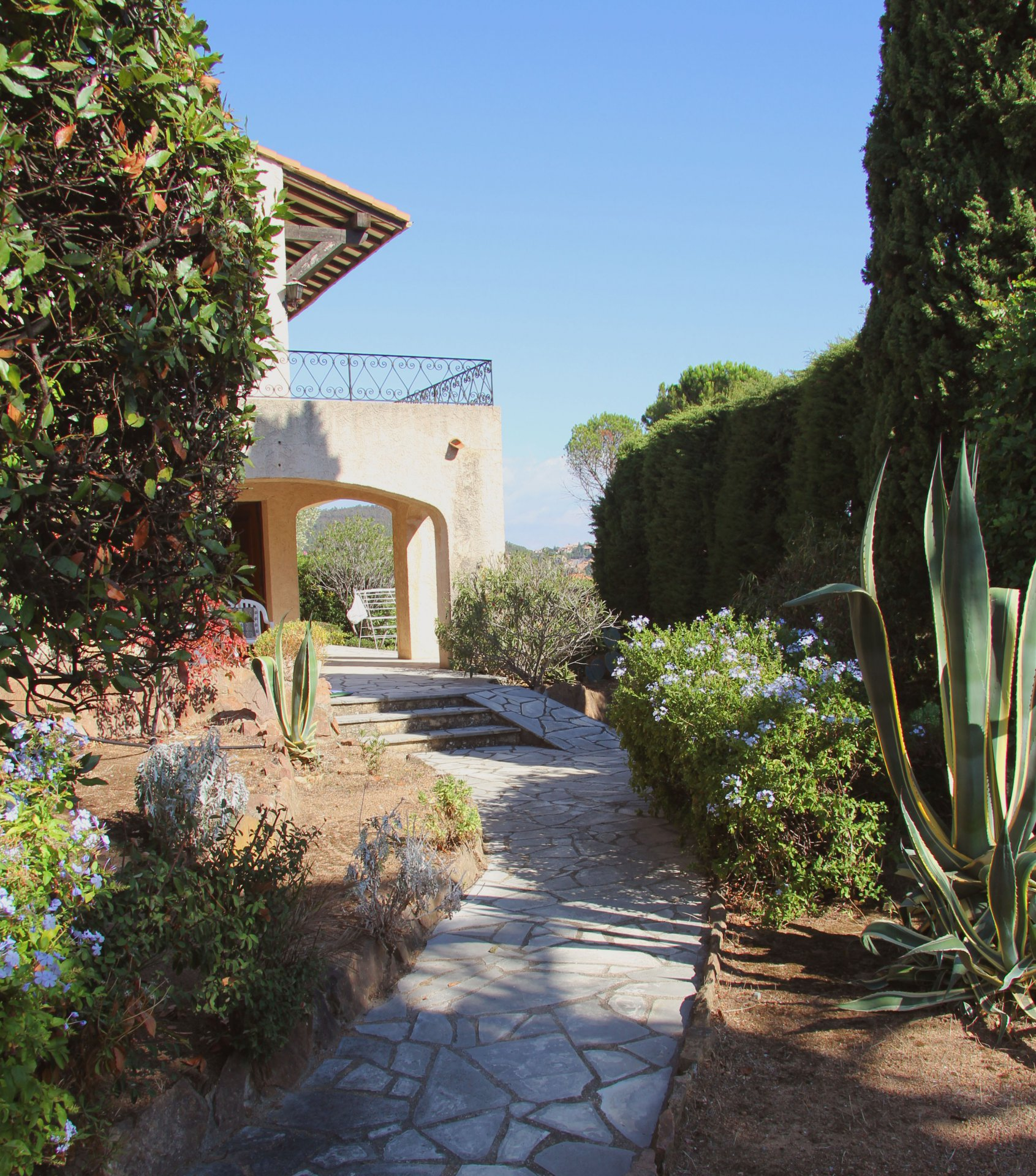 Théoule / Le Trayas:  Provencial country house, 2 living rooms,  4 bedrooms