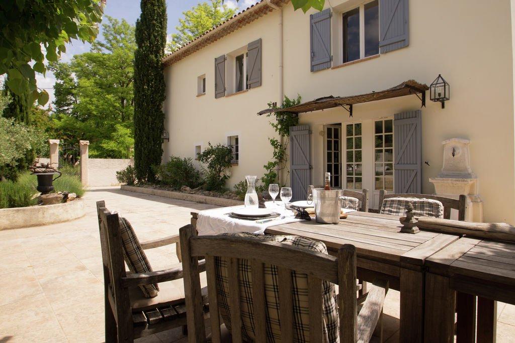 Villecroze, charmant huis te koop.