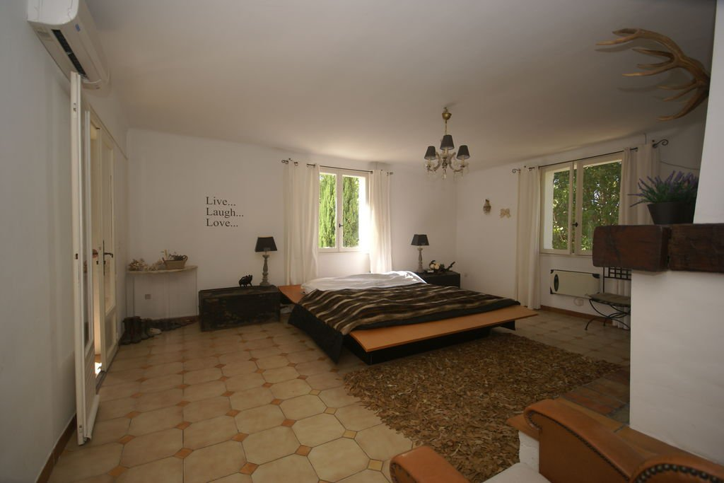 Large charming Property in Villecroze.