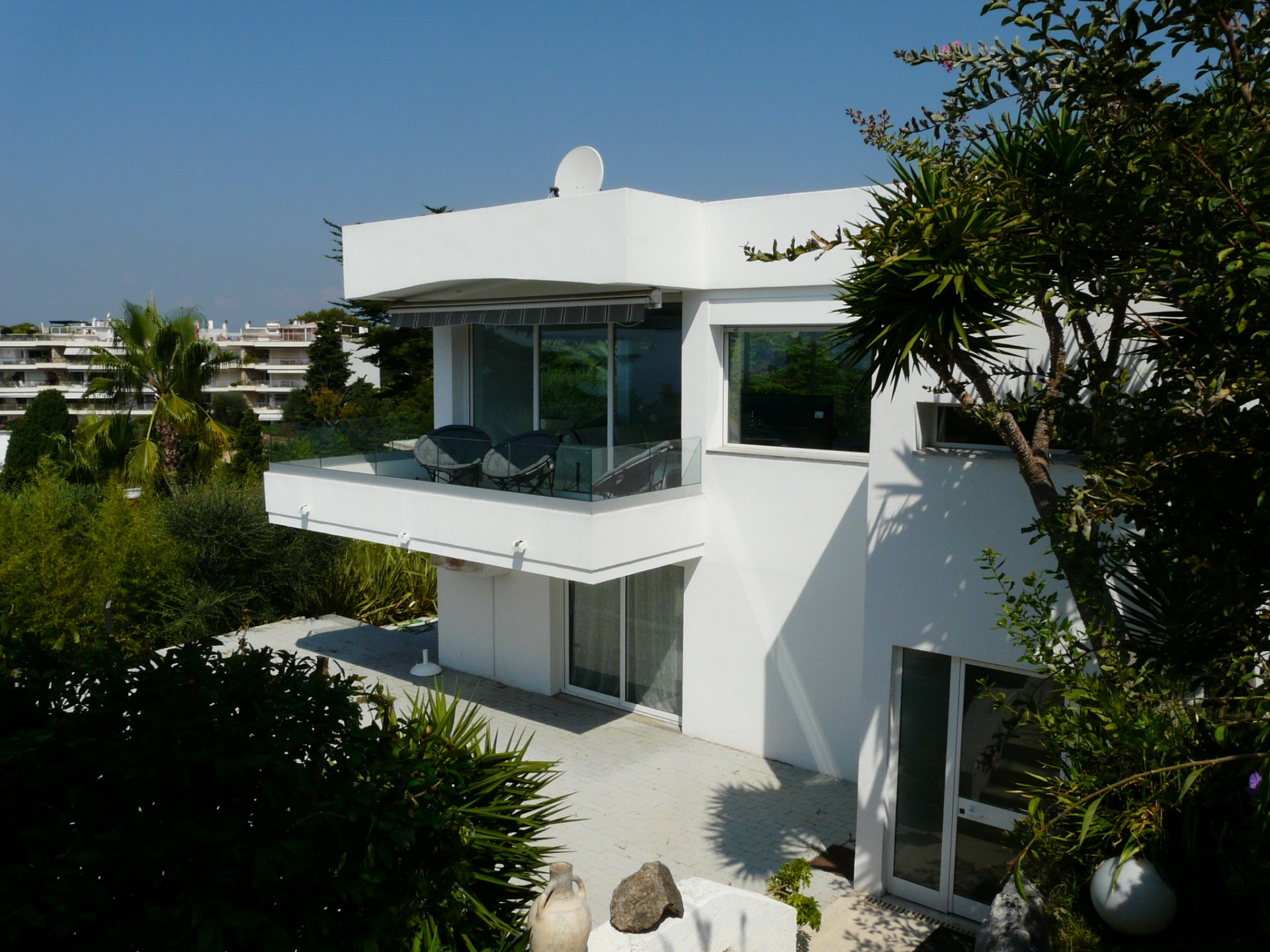 SUBLIME CONTEMPORAINE VUE MER !