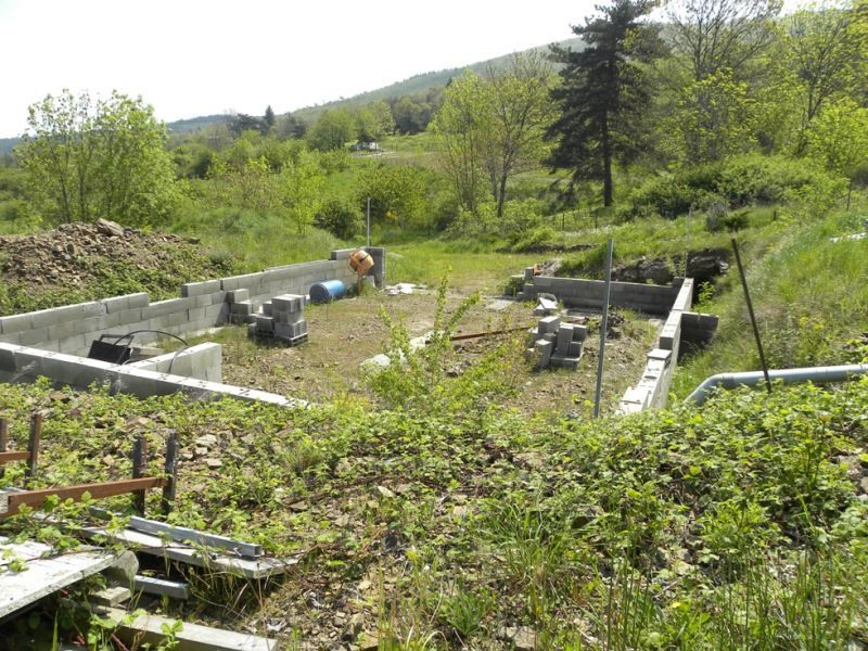 Terrain viabilisé avec fondations