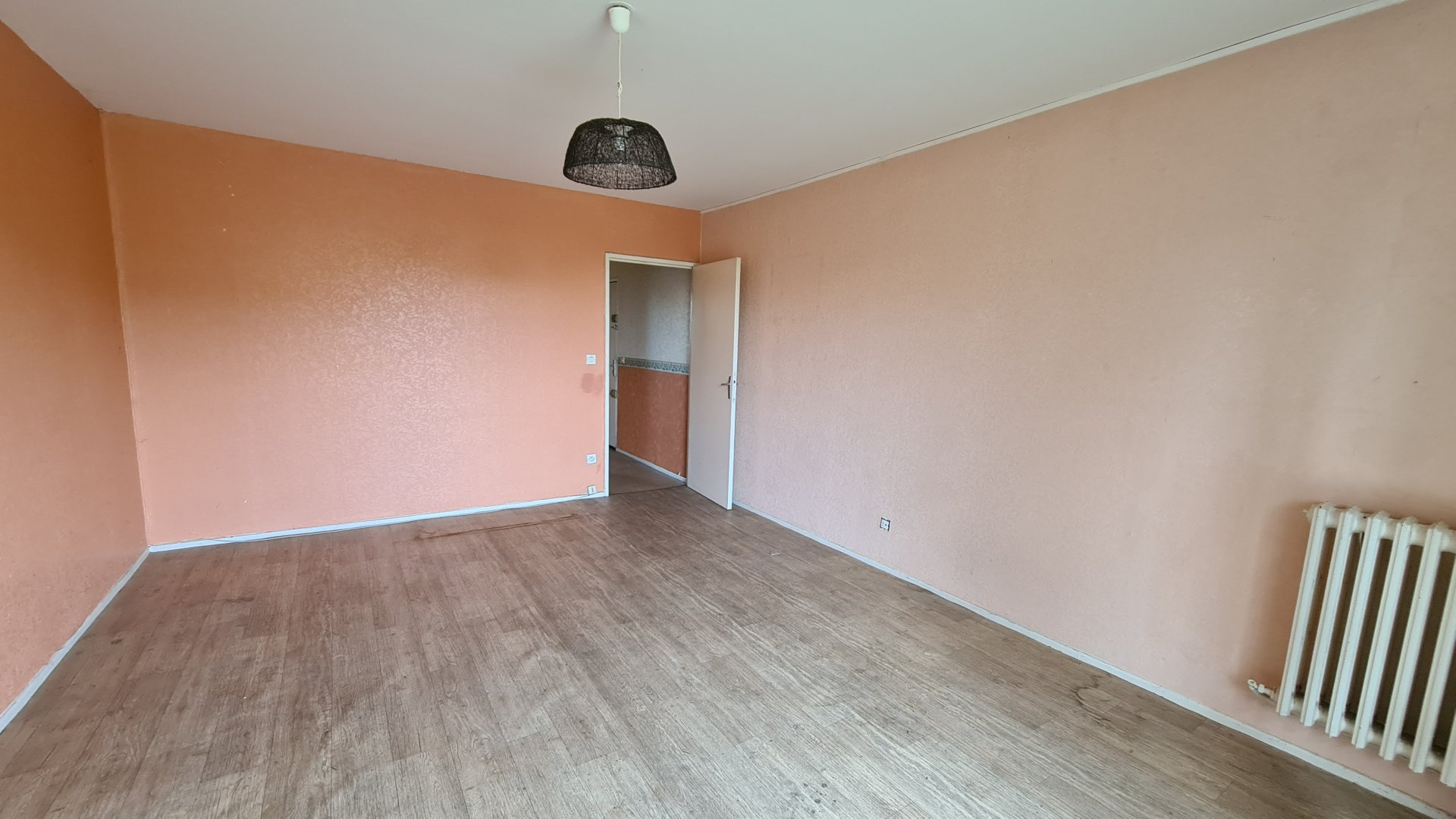 APPARTEMENT A RENOVER