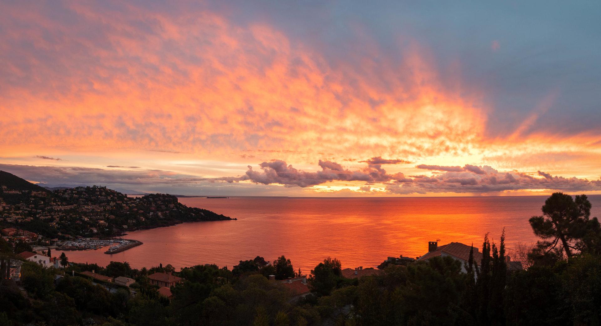 Splendid villa of 195 m² panoramic sea view