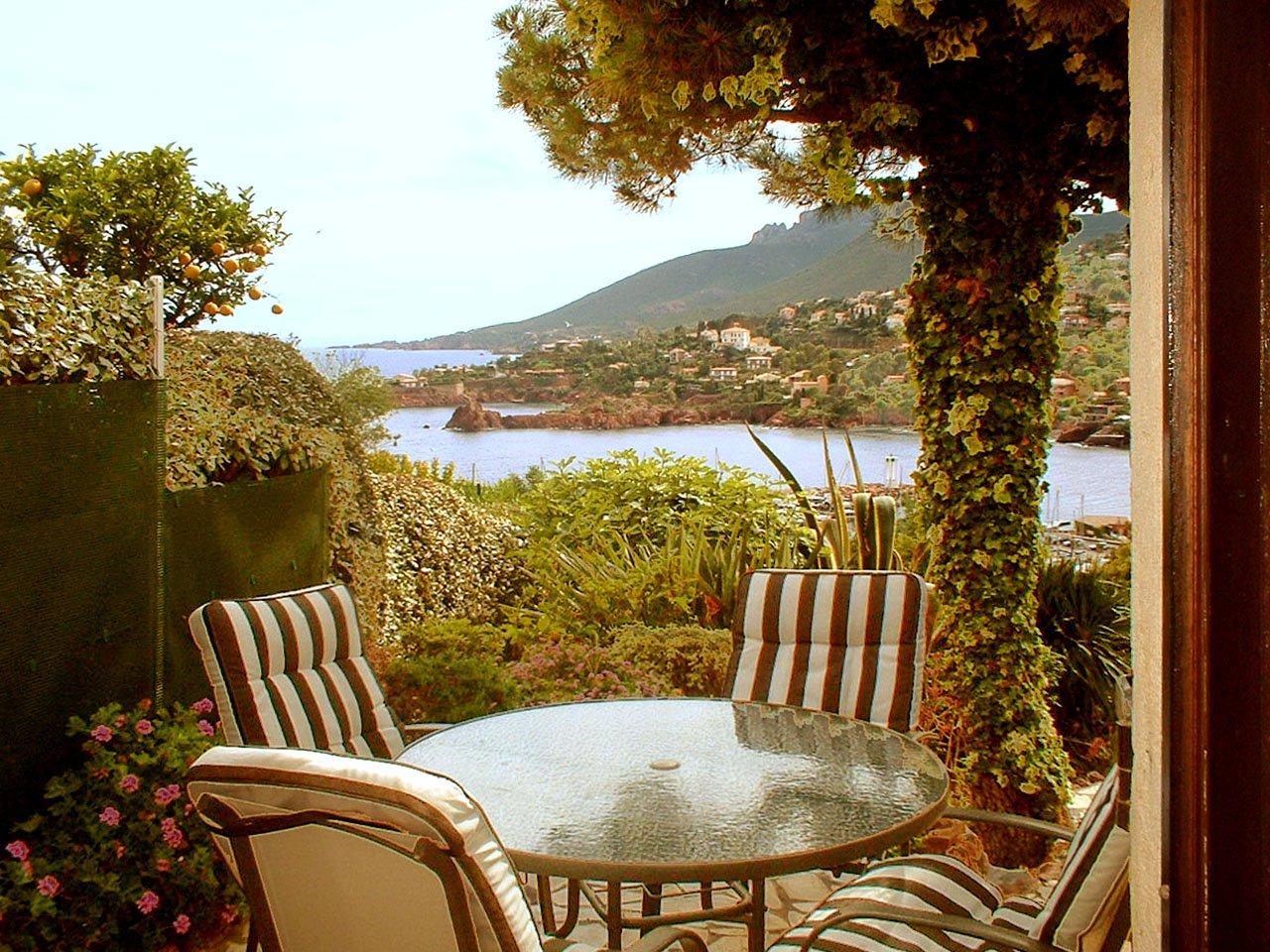 Villa coup de coeur - 2 pièces, belle vue mer  * ME 17 *