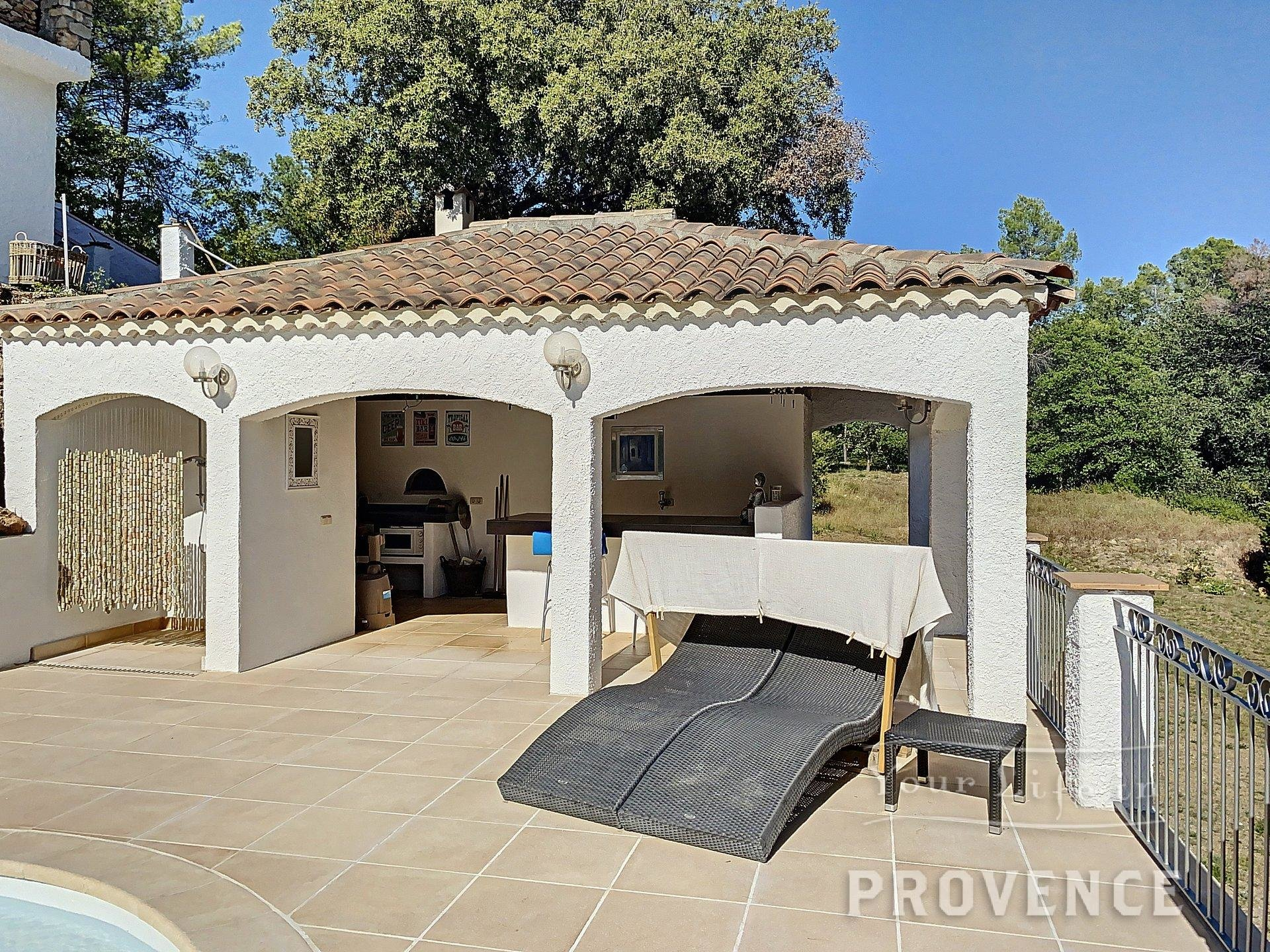 EXCLUSIVE SALE   Charming house with large pool, poolhouse  and beautiful terrace
