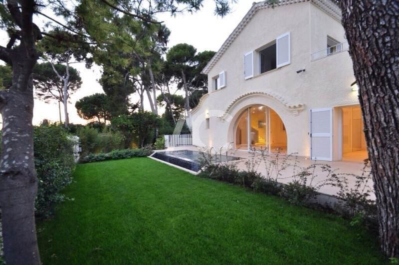 Provençale villa - Entirely refurbished - Sea views