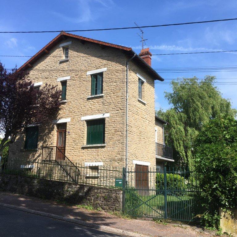 Comfortable maison de village Saint Honoré-les-Bains
