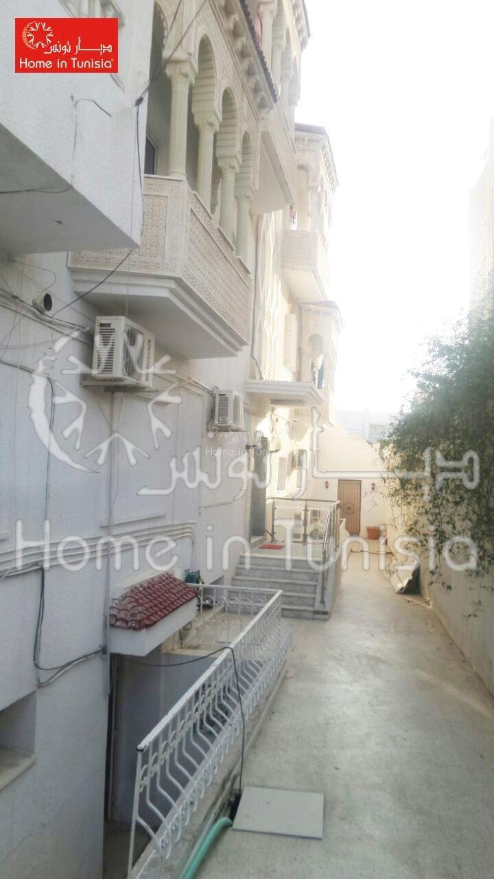 Un magnifique immeuble dédié à vente à sahloul3 .